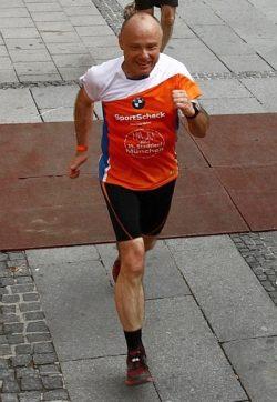 Erfolgsgeschichtevon Rainer Gaertner: Vom Laufanfaenger zum Halbmarathon-Finisher