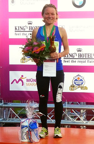 Regina Högl bei der Siegerehrung
