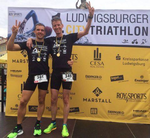 Triathleten auf dem Siegerpodest
