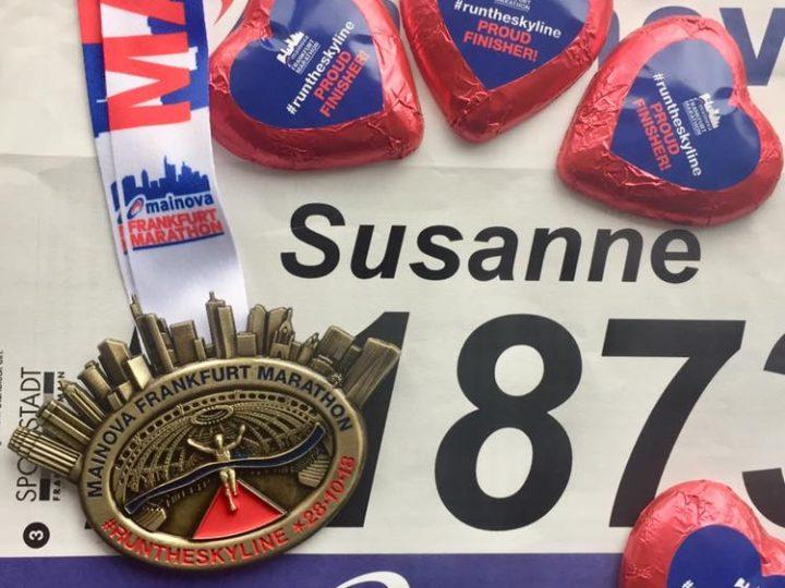 Die Red Runners trotzen Wind und Wetter beim Frankfurt Marathon