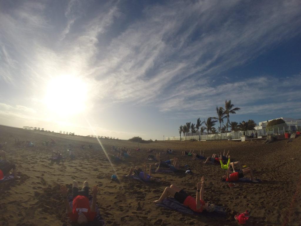 Stabi-Training am Strand bei den RUNNING Company Laufreisen in die Toskana und nach Lanzarote