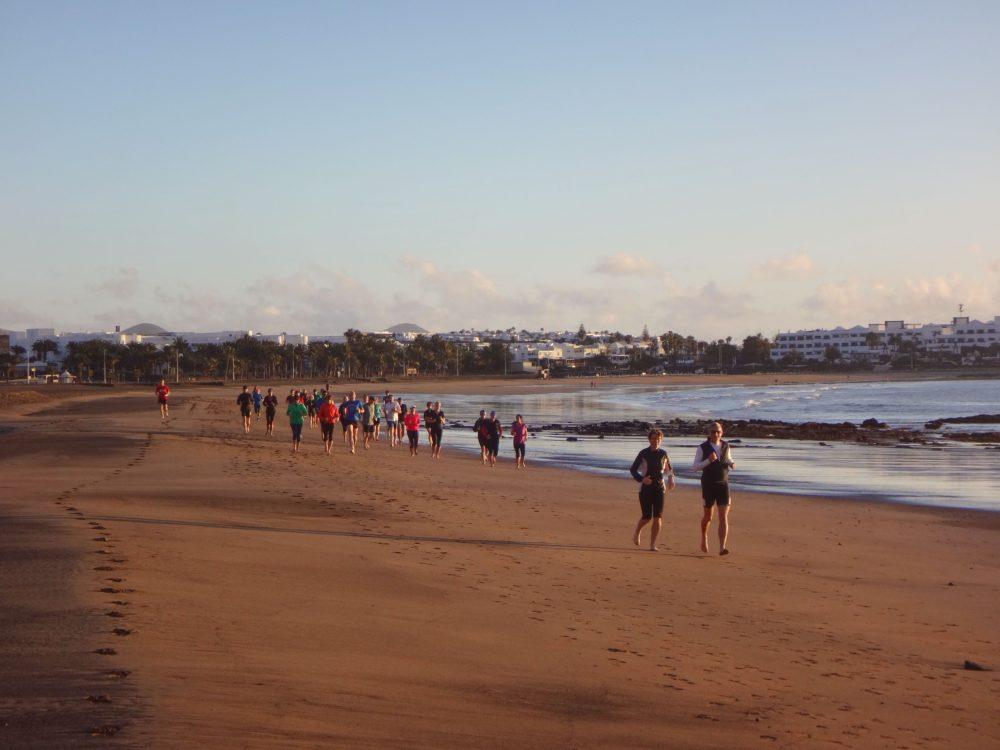 Strandlauf im Lanzarote Laufcamp
