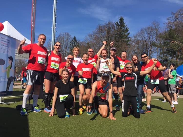 Red Runners vor dem Start beim Forstenrieder Volkslauf 2019