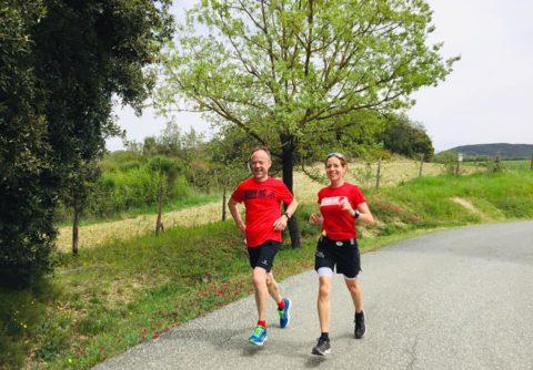 Läufer-Duo im Toskana Laufseminar