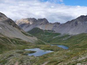 Unberührter See im Schweizer Gebirge