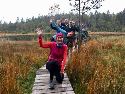 Laufcamp Chiemsee: Gruppenfoto am grundlosen See