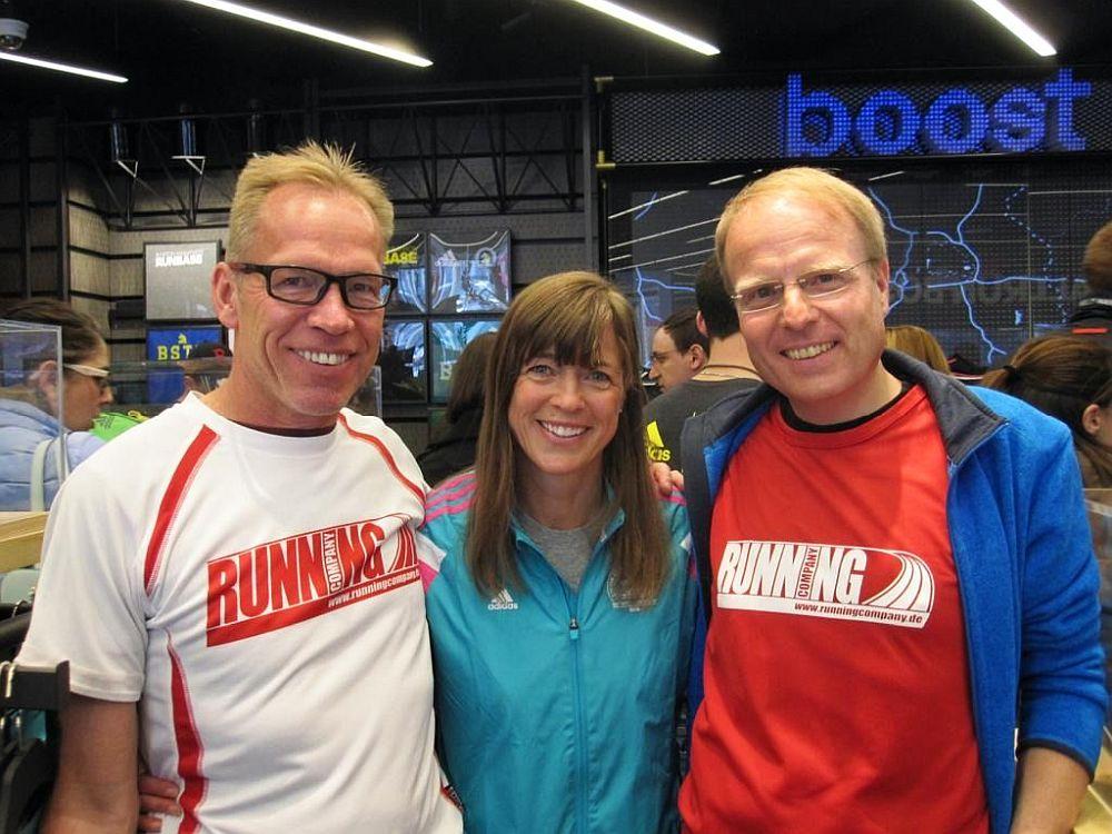 Roland Preißler und Olaf Dieckmann mit Uta Pippig beim Boston Marathon 2016
