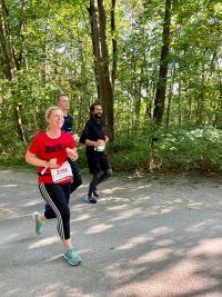 RUNNING Company_München Marathon_Christine im Englischen Garten